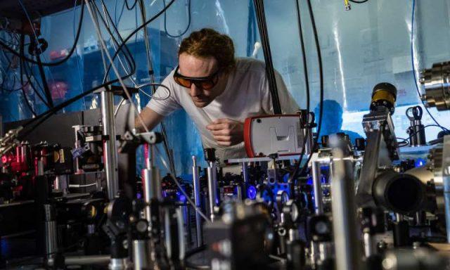 Physicists build bizarre molecules called Rydberg polarons