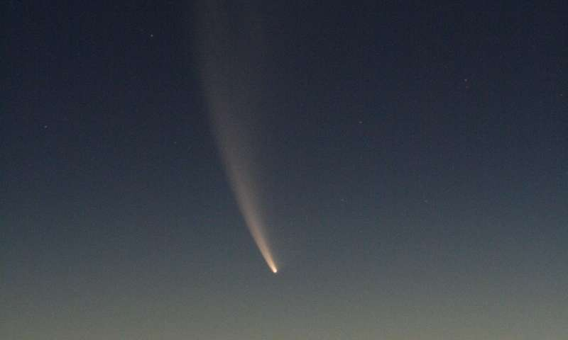 Scientists help solve mystery of why comets emit X rays