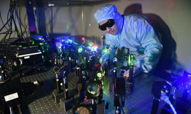 Researchers develop nanoparticle films for high density data storage