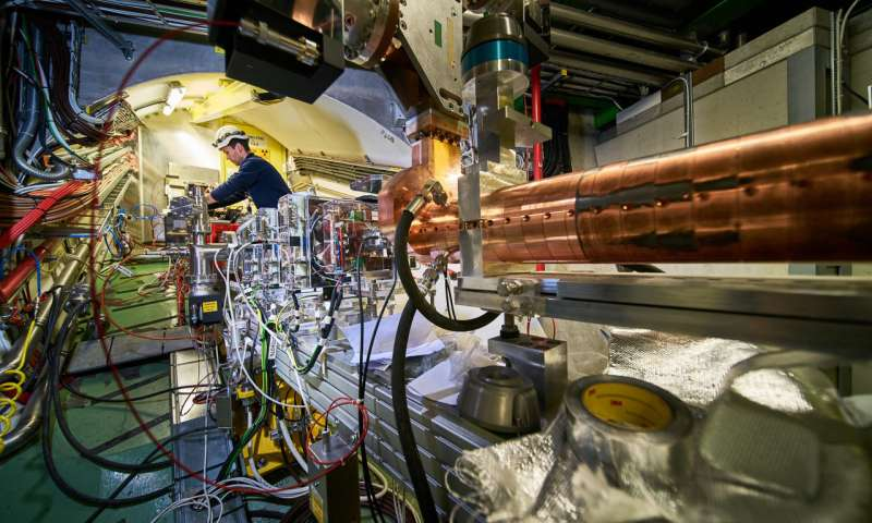 Researchers achieve first ever acceleration of electrons in a proton driven plasma wave