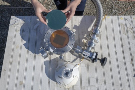 Harvesting renewable energy from the sun and outer space at the same time