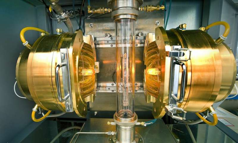 Researchers discover new evidence of superconductivity at near room temperature