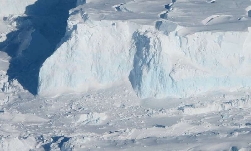 Antarcticas effect on sea level rise in coming centuries