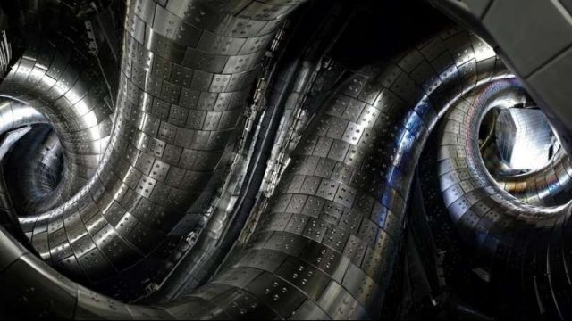 cropped Demonstration of alpha particle confinement capability in helical fusion plasmas