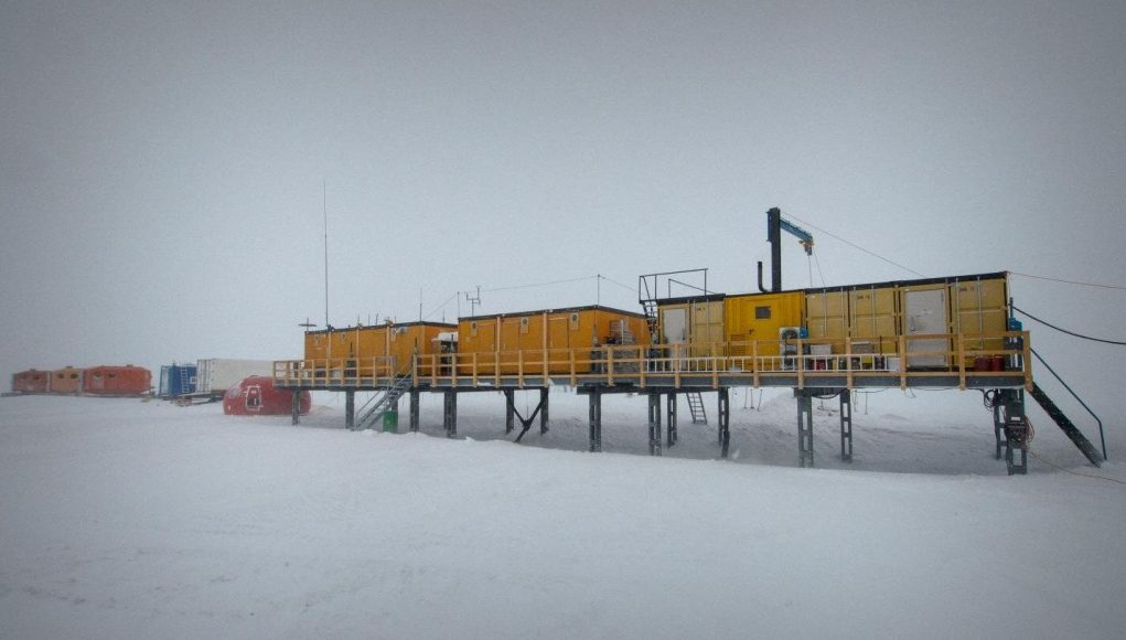 cropped Scientists discover stardust in Antarctic snow