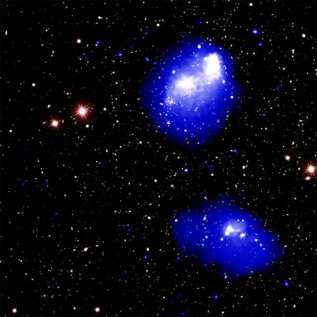 Chandra spots a mega cluster of galaxies in the making
