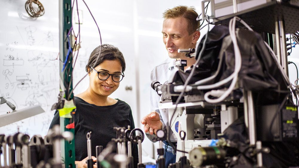 cropped Physicists shine light on properties of potential solar cell material