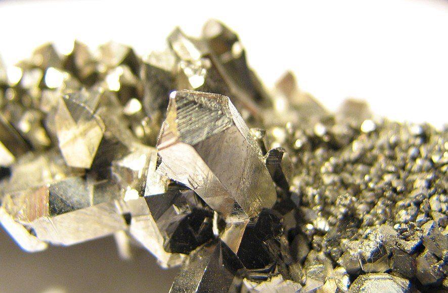 Niobium used as catalyst in fuel cell