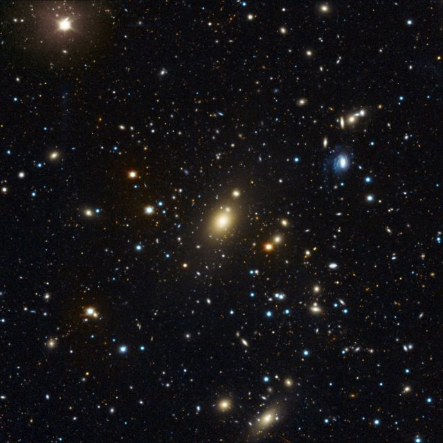 Heavyweight in the heart of the Abell 85 central galaxy