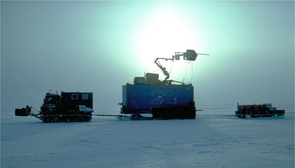 Patterns of thinning of Antarcticas biggest glacier are opposite to previously observed scaled