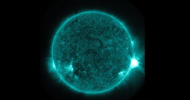 Scientists measure the evolving energy of a solar flares explosive first minutes
