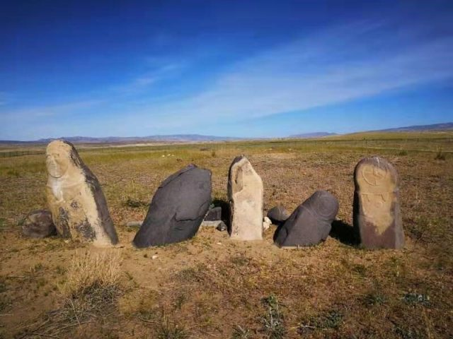 5200 year old grains in the eastern Altai Mountains redate trans Eurasian crop exchange