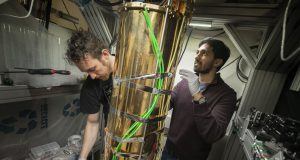 Researchers demonstrate the missing link for a quantum internet