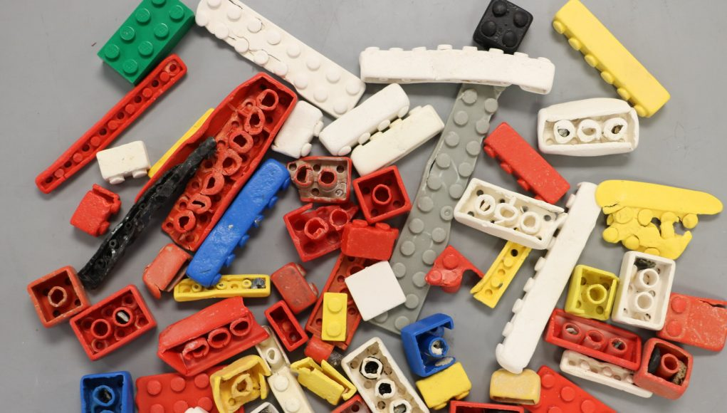 Study suggests LEGO bricks could survive in ocean for up to 1300 years scaled