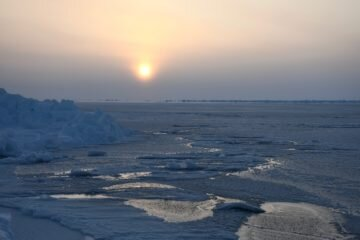 Past evidence supports complete loss of Arctic sea ice by 2035