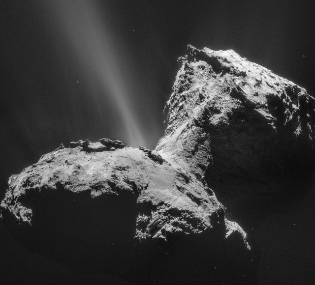 Rosetta spacecraft detects unexpected ultraviolet aurora at a comet 1