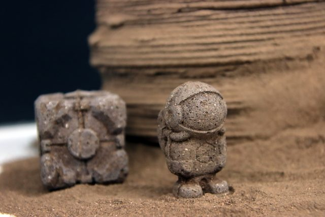 Using chitin a bioinspired material to manufacture tools and shelters on Mars