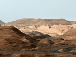 Field geology at Mars equator points to ancient megaflood