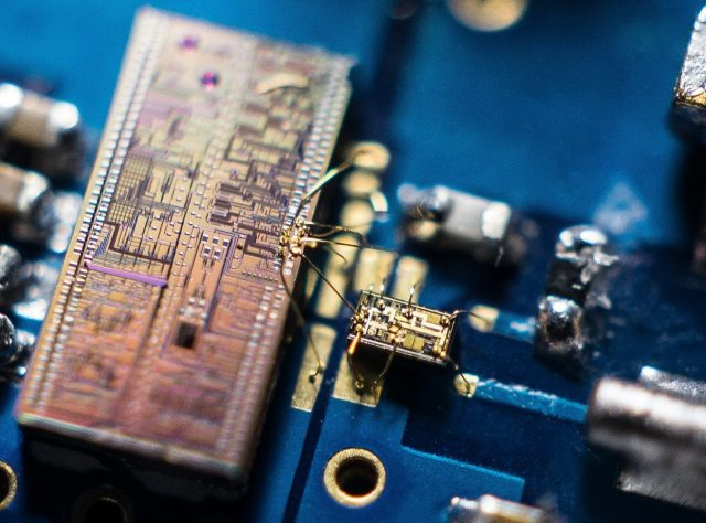 Tiny device enables new record in super fast quantum light detection