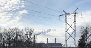 Shuttering fossil fuel power plants may cost less than expected