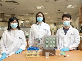 Engineers create smart aerogel that turns air into drinking water