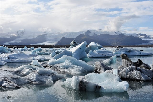 Sea ice kept oxygen from reaching deep ocean during last ice age