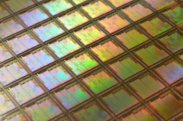 Wafer scale production of graphene based photonic devices