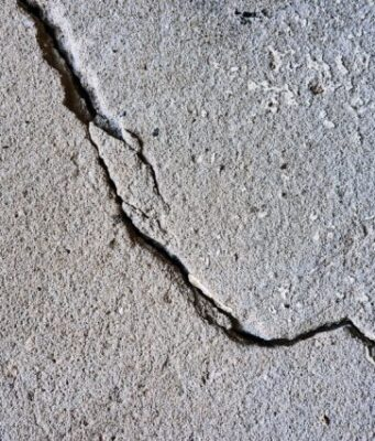 Geoscientists find that shallow wastewater injection drives deep earthquakes in Texas